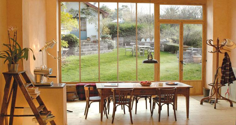 Fenêtre en bois s'accorde parfaitement avec tous les styles d'architecture !