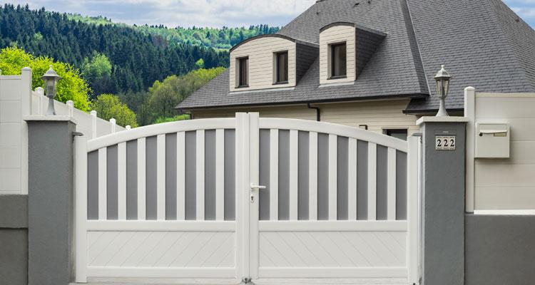Porte d'entrée en PVC : quel modèle choisir ?